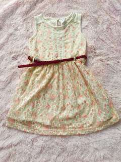 EUC MAX LACE DRESS WITH BELT