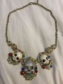 Colourful 3 skull necklace