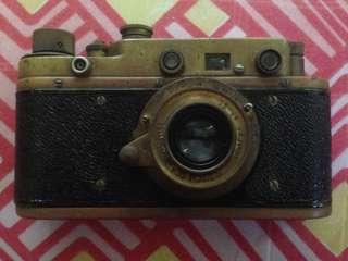 1992 Leica D.R.P Ernst Leitz Wetzlar N:258041 / Pentax-F ZOOM