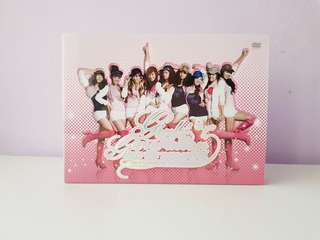 Girls' Generation the 1st asia tour dvd+ photobook