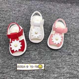 Sandal Bunyi kanak