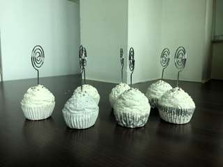 Muffin Place Card Holders