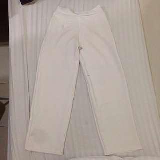 Celana kulot panjang broken white basic