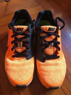 Nike zoomfly2 running shoes