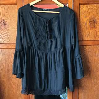 Gypsy style top size 8