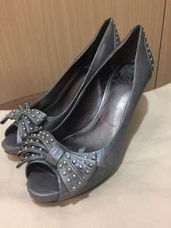 Vince Camuto shoes size 7.5 fits size 8