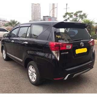 Sewa mobil Innova Reborn 2018 di Jakarta, murah dan elegan. Hanya 750 ribu dengan driver.