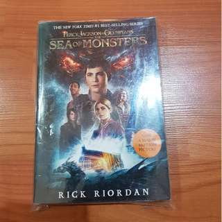 SEA OF MONSTERS- RICK RIORDAN