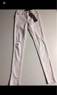 New White Jeans