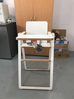 Ultra flat wooden high chair