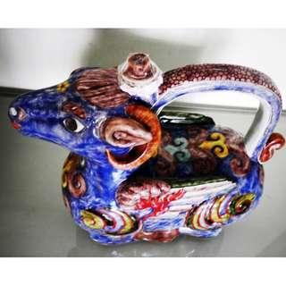 Rare 12 zodiac Sheep shape teapot, 稀有十二生肖羊形像茶壶, 造型生动色彩丰富