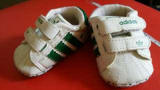 preLOVED Adidas Sneakers