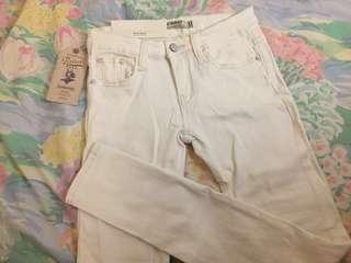 🚚 全新SINMAU白色彈性牛仔褲