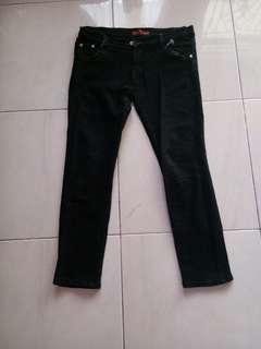 Jeans hitam cw