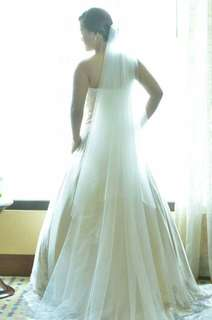Wedding Gown 4 rent