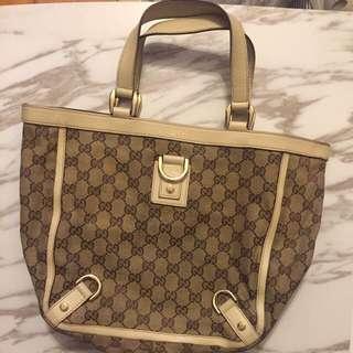 Gucci Handbag not lv
