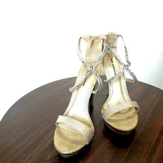 Gold Ankle Strap Sandals (Size 7)