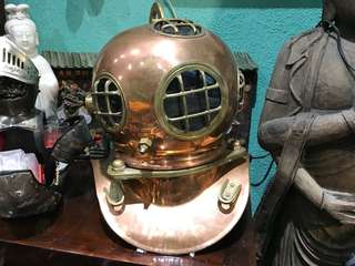 潛水銅人頭盔