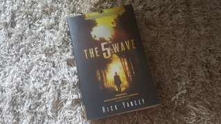 5TH WAVE Book