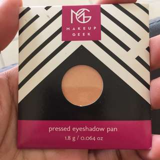 Makeup geek eyeshadow (peach smoothie)