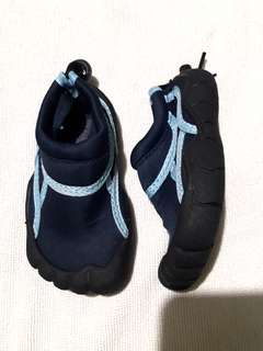 Like New! Aqua Shoes / Beach Shoes for toddlers, size 23