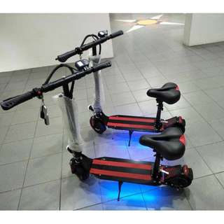 E Scooter with Comfort Seat / LED lights / Alarm / Remote