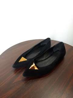 Black Pointed Flats (Size 5)