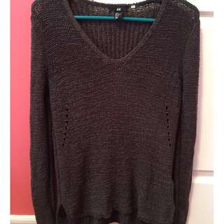 Green knitted long sleeved (size small) from H&M-