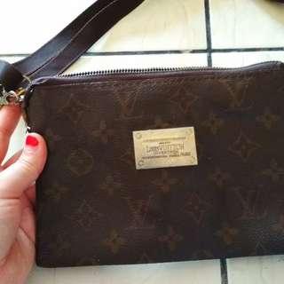 LV Wallet Beg #july70