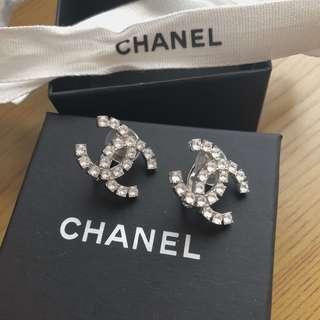 Chanel 夾耳式水鑽耳環 Earrings