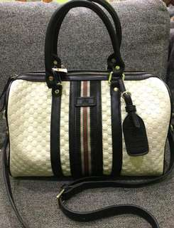 Gucci sling&carry bag