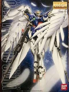 Bandai 1/100 XXXG-00W0 Wing Gundam Zero Custom (MG)