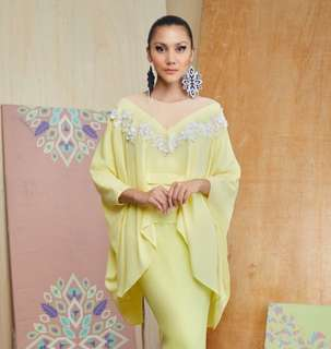 Lacey batwing top in Light yellow