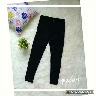 Celana skinny hitam