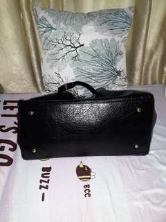 Perlini and mel shoppers bag