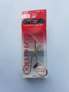 Shiseido Mini Eyelash Curler 215
