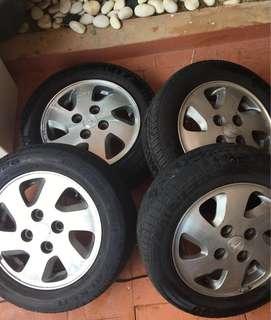 "Rim Daihatsu 13"" (with 2 new tires)"