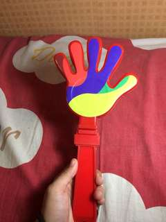 Clapping toy