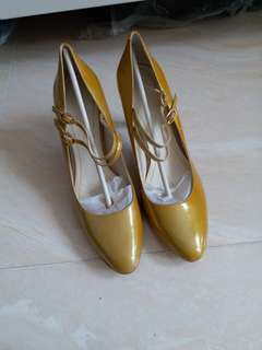 High heel shoes..by Bandolino. Balance man made. Leather upper.  SIZE is about 37 and a half.  Almost New.