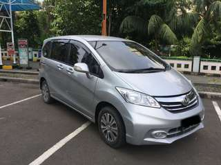 Honda Freed Psd Silver AT 2013