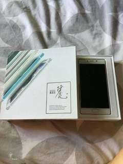 Freetel Japan cellphone
