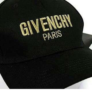 Topi Givenchy