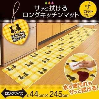 **日本直送 - 易潔廚房用長地墊**  大細可自行裁剪  材質:聚乙烯 / EVA樹脂 貓貓:44x245cm 廚具:45x240cm  HK$138 一張  六月頭到貨