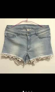 🚚 H&M淺色刷白牛仔短褲