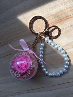 🚚 全新 粉色花 珍珠鑰匙扣 蘇菲亞會員生日禮