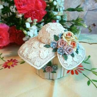 歐美早期陶瓷帽型首飾盒