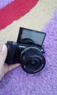 Kamera Mirrorless SONY A5000 / Alpha A 5000 Mirrorless Camera