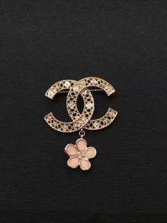 Chanel CC 新款小花 扣針 pin