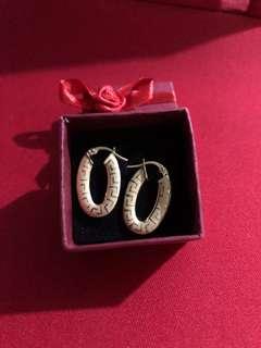 18K Gold Earrings - Pawnable