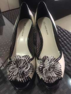 Anne Klein balck & white shoes